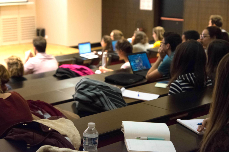 La soirée dyslexie à l'université a proposé un temps d'animation puis des conférences