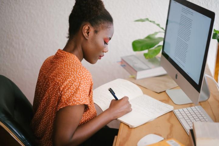 Selon un sondage du Collège du Sud (Bulle, Suisse), la majorité des élèves ont l'impression de ne pas progresser dans leurs études